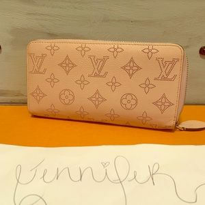 Louis Vuitton magnolia monogram mahina wallet